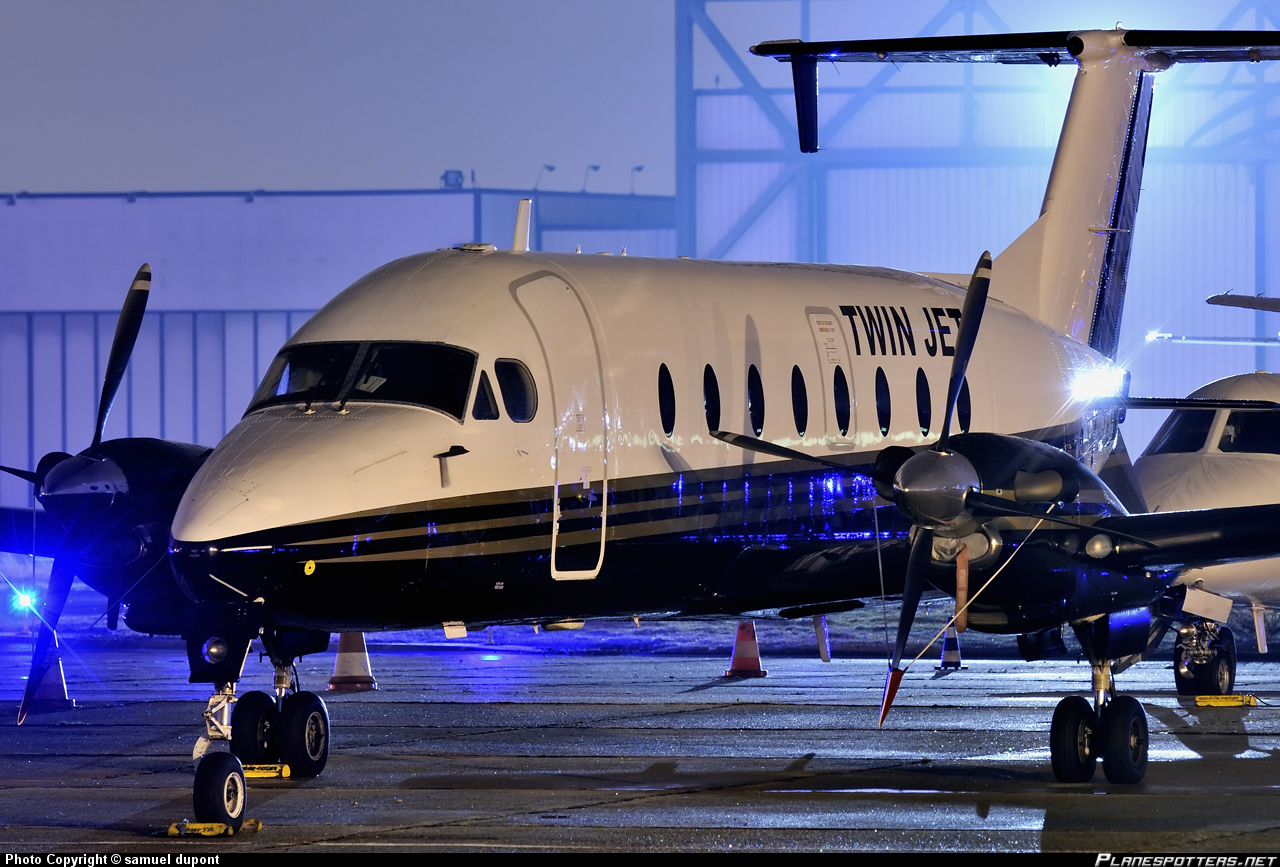 f-hape-twin-jet-beechcraft-1900d_PlanespottersNet_260327