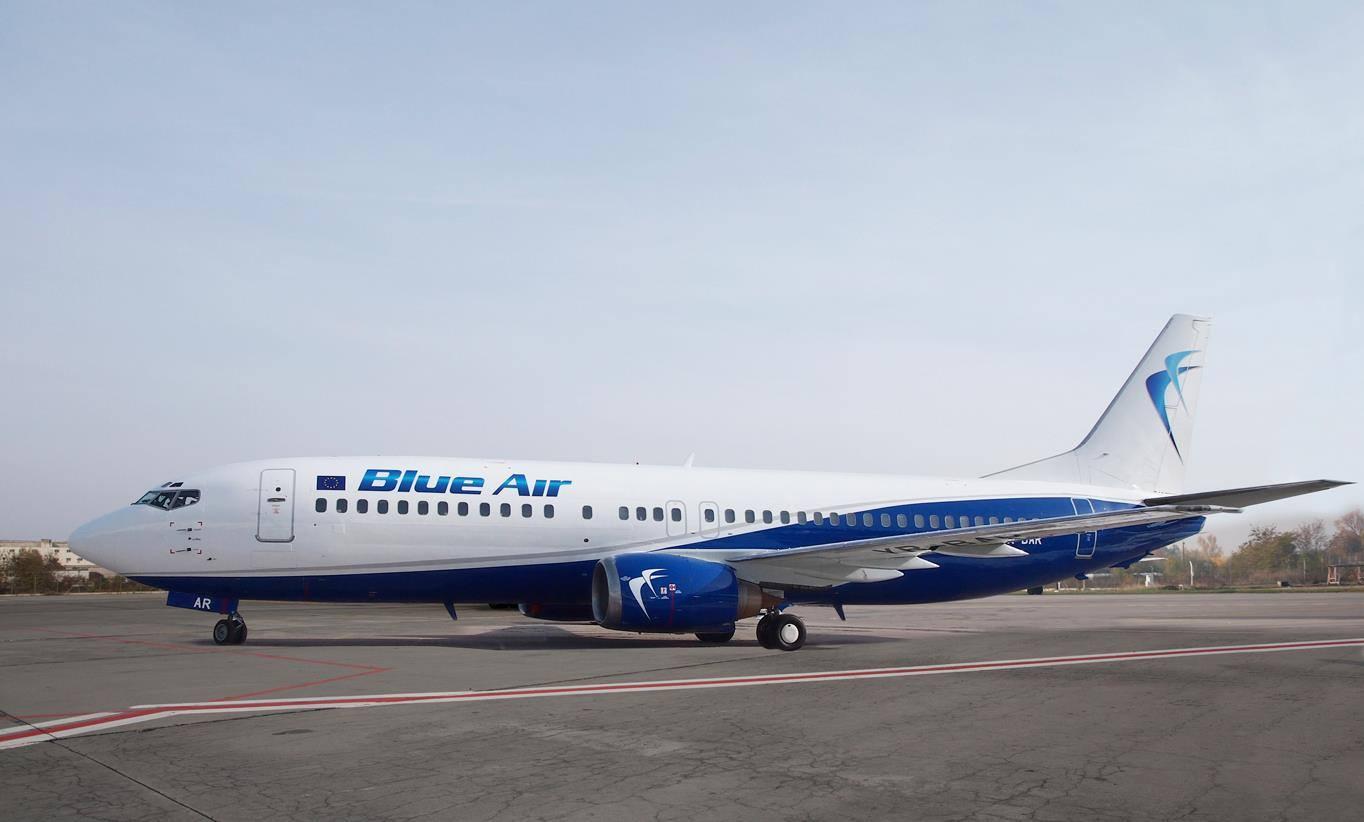 Boeing-737-400-Blue-Air